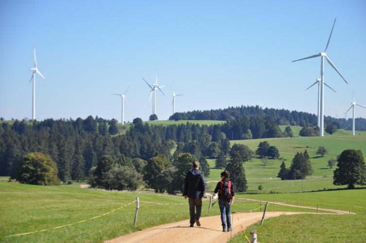 Centrale solaire et éoliennes