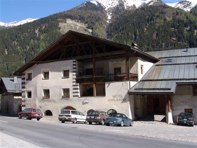 Hotel Chasa Chalavaina