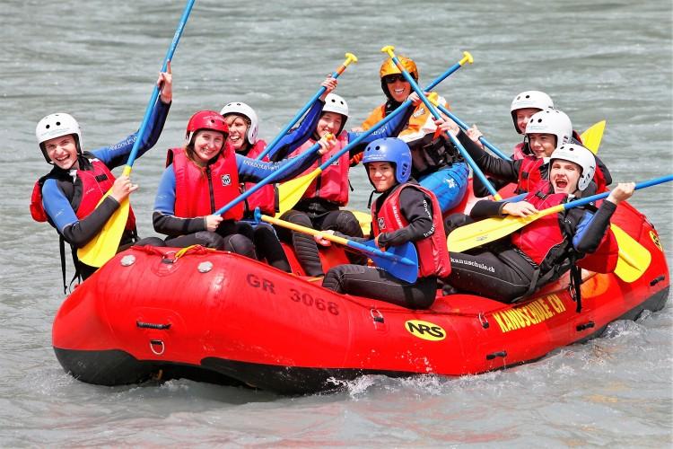 Raftingtour durch die Rheinschlucht speziell für Familien
