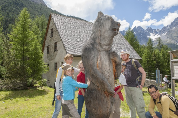 Exposition sur l'ours S-charl