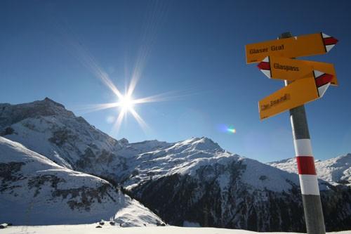 Winterwandern Aussicht Sufers