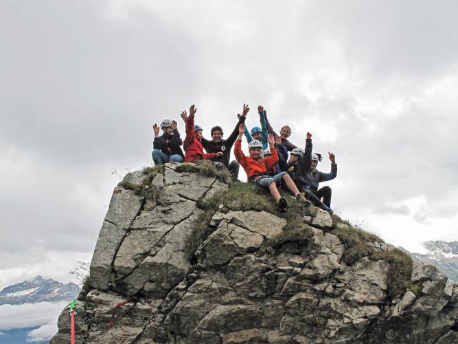 Jugend auf dem Gipfel - © Naturpark Beverin, S. Jehle