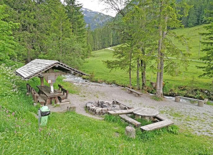 Feuerstelle Senggiweid am Erlebnisweg Grimmimutz