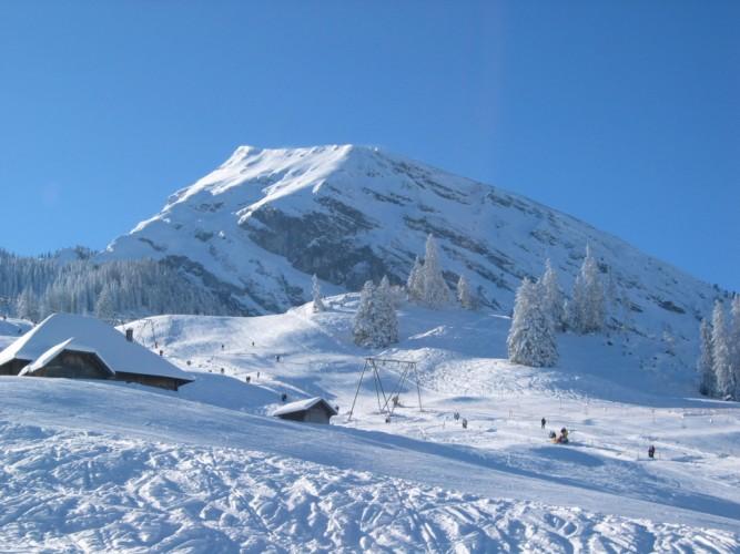 Skigebiet Wiriehorn - das erste Skigebiet im Berner Oberland