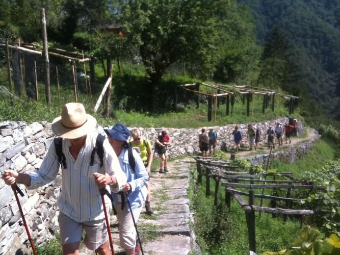 Trekking tra valli e villaggi