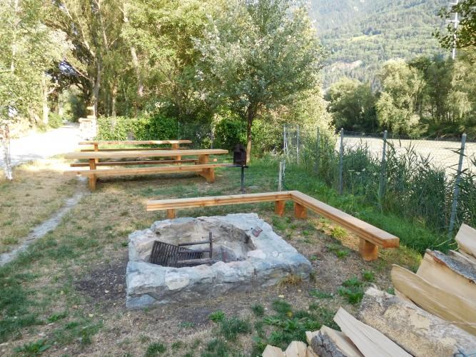 Zone de barbecue Rhonebord