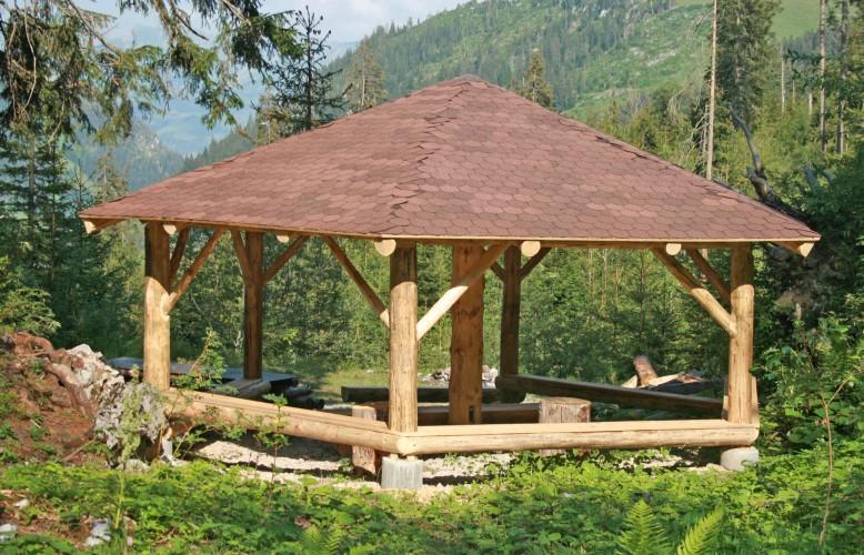 Feuerstelle Waldpavillon Flühschwand am Walderlebnispfad