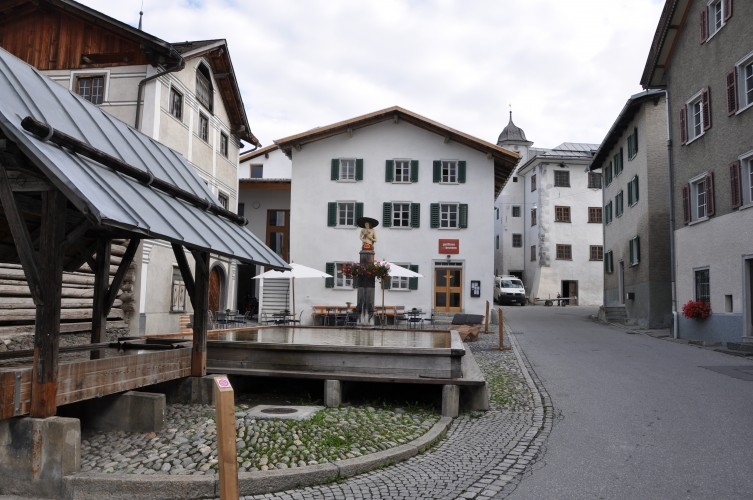 Holzbrunnen Valendas