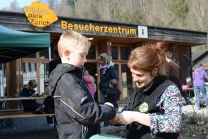 Erlebnis-Samstag Samenbomben basteln - © Stiftung Wildnispark Zürich