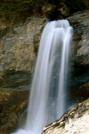 La cascade de la Raspille - © Naturpark Pfyn-Finges
