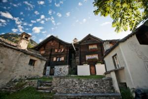 Alla scoperta di Bosco Gurin - © Svizzera Turismo