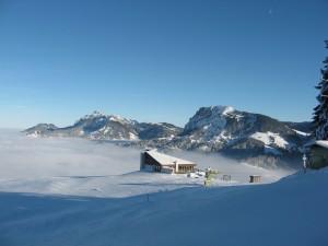 Winter hiking trail Heiligkreuz-First