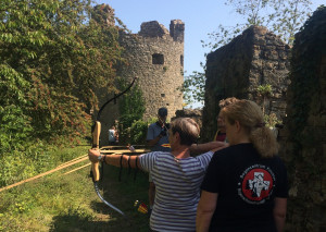 Bogenschiessen auf der Ruine Schenkenberg